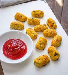 Skinny Baked Cauliflower Tots - wonder what I could substitute for the bread crumbs to keep it gluten free? Egg Recipes For Kids, Easy Egg Recipes, Veggie Recipes, Healthy Dinner Recipes, Appetizer Recipes, Healthy Snacks, Keto Recipes, Kidney Recipes, Delicious Recipes