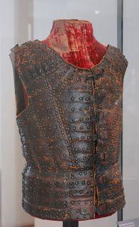 Leather archer's brigandine, ca. 1480, Musée de l'Armée, Paris http://anthropologie-et-paleopathologie.univ-lyon1.fr/HTML/HTML/PALEOBIOS%202012%20Article%20FIGUERES/TEXTE%20HTML%20ARTICLE%20FIGUERES%20PALEOBIOS%202012.htm