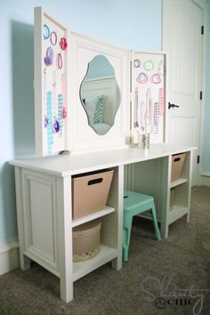 Kids Bouquet S Oval Mirror Bedroom Vanity Very Affordable And Cute For Any Littl Diy Little Play Makeup Pinte
