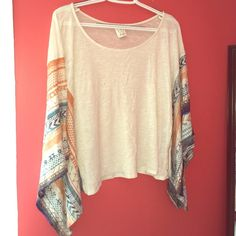 Wavy shirt Hardly ever worn and great shirt for the summer :) super light! Ella Moss Tops Crop Tops