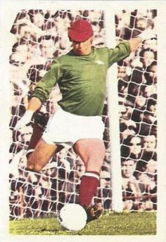 015 - Bob Wilson (Arsenal) - First joined the club as an amateur in March 1963 after a spell on Wolves books. Goalkeeper who has been a professional since 1964. Became established in 1968-69 but broke an arm in 1969-70. Has 2 Scottish caps. Ht. 6ft. 0.75in. Wt.13.0.