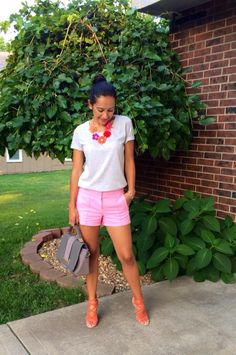 Flower Necklace, T shirt, shorts and high heels | Mexi-Sweet