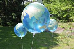 "globe balloons would make a great ""school"" party"