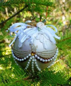 New Victorian Glass Ball Christmas Tree Ornament - Lace Accents - Pearls - Gold