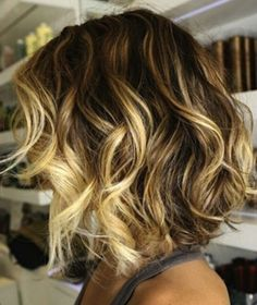 my next look ::: loose waves made with a big-barrel curling iron