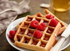 Waffles weight watchers, a light-weight recipe straightforward and easy to make, discover the components and the preparation steps. Krusteaz Waffle Recipe, Best Waffle Recipe, Waffle Recipes, Kinds Of Desserts, Köstliche Desserts, Delicious Desserts, Belgian Waffle Mix, Belgian Waffles, Quinoa Vegan