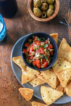A recipe for fresh salsa using our crisp, plump green olives marinated in red pepper flakes. Piccante Olive Salsa takes ordinary to the edge! Yummy Appetizers, Appetizers For Party, Appetizer Recipes, Olive Recipes, Italian Recipes, Classic Bowls, Balsamic Vinegar Of Modena, Pitted Olives, Fresh Salsa