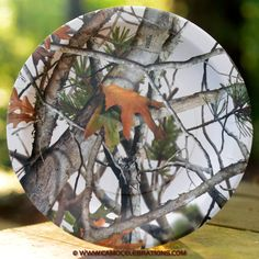 White camo paper dinner plates. Perfect for bridal showers!