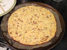 low carb cauliflower crust pizza!