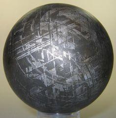Image réduite [Meteorite Gibeon.jpg - 324kB]
