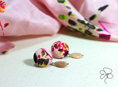 Orecchini in stoffa orientale e quarzo rosa