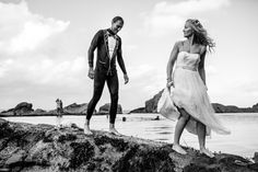 A RELAXED BEACH WEDDING FOR A SURF LOVING COUPLE At Tunnels Beaches. Images Rebecca Roundhill Photography