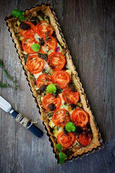 Tarte à la tomate  http://www.750g.com/recettes_tarte_a_la_tomate.htm #tarte #tomate #tartealatomate #750g #750grammes