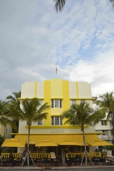 Architectural Swoon in Miami Beach