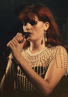 Florence Welch. Perlengerüst