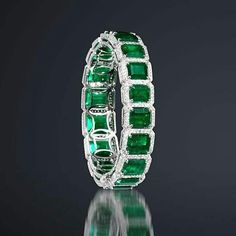 @Regrann from @karensuenfinejewellery - Over 34cts of Colombian Emerald and 7cts of Diamonds creating this classic yet unique Emerald and Diamond bracelet! @karen.suen #KarenSuen #KarenSuenFineJewellery #Designer #BespokeJewels #Emerald #ColombianEmerald #PreciousStones #Diamond #Art #Design #Craftsmanship #Highend #FineJewelry #JewelleryDesigner #HauteJoaillerie #Unique #HongKong #NewYork #Milan #Paris #Geneva #London #Moscow #Kuwait #Qatar #Bahrain #Doha #Jakarta #Malaysia #KualaLumpur