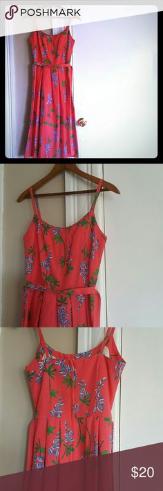 Vintage, dainty, pink floral dress 100% cotton, Malia dress. The tag says size 4, but the waist is very small. I'm a size 2, but this would fit a size 0. Malia   Dresses