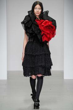 John Rocha Fall 2014 Ready-to-Wear Collection Photos - Vogue