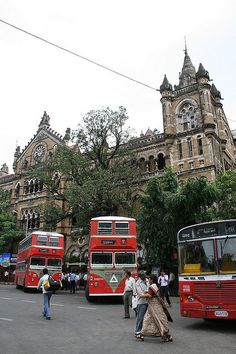 Fascinating Mumbai - http://www.travelandtransitions.com/destinations/destination-advice/asia/