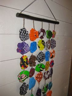 Walldecoration of fused plasticbags.