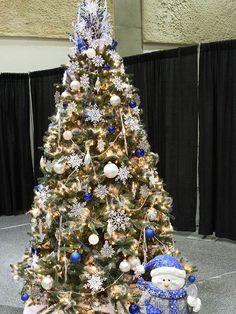 weihnachtsbaumschmuck idee silber blau schneeflocken schneemann