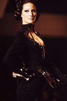 Christy Turlington au défilé Mugler printemps-été 1992