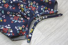 How to sew DIY Picture Tutorial. Hobo Bag Tutorials, Hobo Bag Patterns, Sewing Crafts, Sewing Projects, Handbag Tutorial, Dress Sewing Patterns, Cloth Bags, Tote Bag, Hobo Bags