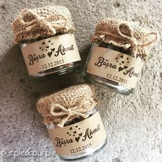 We fill coffee beans in a jar with a lid on the sack lid Coffee Bean Wedding Candy. Candy Wedding Favors, Rustic Wedding Favors, Wedding Welcome Bags, Wedding Favor Bags, Beach Wedding Favors, Wedding Favors For Guests, Wedding Gifts, Wedding Souvenir, Jar Packaging