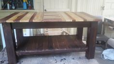 Cool Pallet Coffee Table With Shelf  #homedécor #livingroom #palletcoffeetable…