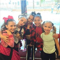These girls ❤️ Dance Moms Minis, Elliana Walmsley, Flannel Friday, These Girls, Famous People, Dancer, Sari, Instagram Posts, Fashion