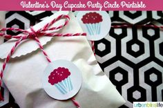 Free Printable Valentine Cupcake Toppers - Todays Creative Blog