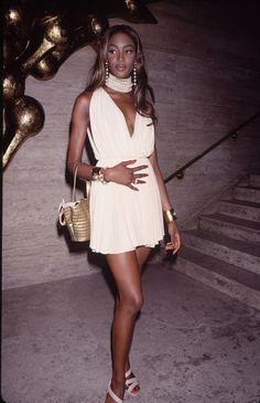 Naomi Campbell mannequins 90's, celebrities, lifestyle, luxury living, Celebrities life style, celeb lifes, cool celebrities, celebrities photos, celebrity style www.bocadolobo.com