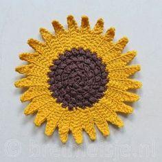 Zonnebloem haken - een patroon van Breimeisje Love Crochet, Crochet Flowers, Knit Crochet, Elsa, Crochet Earrings, Quilts, Knitting, Inspiration, Jewelry