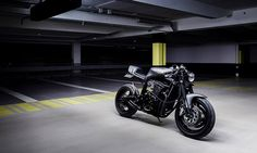 The designers at soon-to-be-launched Le French Atelier have created an astonishing custom '91 GSX-R 750. A pure cafe racer with a historically significant and sporty base, this 1991 GSX-R 750 boasts a neo-retro look with a custom tail end…
