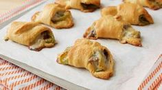 Philly Cheese Steak Crescent Roll-Ups These crescent roll-ups are stuffed with classic Philly cheese steak flavors, including sautéed green bell peppers, onions & roast beef. Beef Recipes, Cooking Recipes, Easy Recipes, Recipies, Kraft Recipes, Snacks Recipes, Sandwich Recipes, Easy Cooking, Cooking Ideas