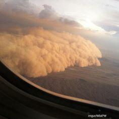 하늘에서 촬영한 모래 폭풍의 위용