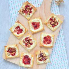 Altijd fijn zo'n recept dat heel erg makkelijk is en waarvoor je weinig nodig hebt. Deze cranberry roomkaas taartjes voldoen daaraan. Ideaal voor Kerst.