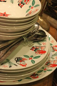 Vintage Swedish Christmas Plates. My Grandma had these...I would love these!❤️❤️❤️