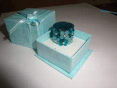 Swarovski ring handmade mint verde green turquesa turquoise 4mm bicone seed beads  By @chiiica_ Via: http://chicadecrystal.blogspot.com/
