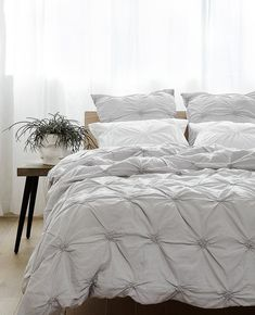 Sara Linen Cloud Romantic Beds, People Sleeping, Double Duvet Covers, Cushions, Pillows, Fine Linens, Undercover, Better Life, Linen Bedding