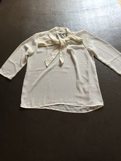 5,- weiße Bluse mit Schleife von Only in 36 - kleiderkreisel.at