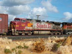 Gary goes all realistic on a BNSF Dash locomotive. Pennsylvania Railroad, N Scale, Fes, Model Trains, Locomotive, Santa Fe, Scale Models, World, Places