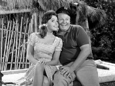 Gilligan's Island - classic-television, black and white, comedy series http://www.fanpop.com/clubs/classic-television-revisited/images/3728226/title/gilligans-island-photo