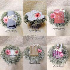 Hantaran Fresh flower babybbreath #hantaran #freshflower #babybreath Wedding Gift Wrapping, Wedding Gift Boxes, Diy Wedding Favors, Wedding Gifts, Wedding Decorations, Javanese Wedding, Malay Wedding, Wedding Preparation, Casual Wedding