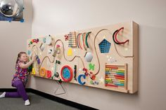 Activity Panels encourage children's discovery and interaction, develop hand-eye coordination, and improve motor skills and movement.