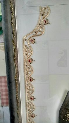 Best 11 Red stones with golden combination work Tambour Beading, Tambour Embroidery, Embroidery Suits, Gold Embroidery, Hand Embroidery Designs, Embroidery Patterns, Sewing Patterns, Bordados E Cia, Gold Work