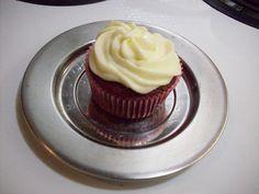 Red Velvet Cupcake w Cream Cheese Icing