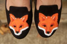 DIY fox slippers and how to make a fox patch!! This is so easy! It's an awesome DIY.