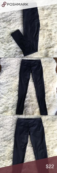 """Zella Black Mesh Panel Leggings d e s c r i p t i o n  If you're looking for comfy and sexy all rolled up into one pair of awesome leggings, then look no further than these! In great condition. NO TRADES.  c o n t e n t  No content tag  m e a s u r e m e n t s ✂️  size + xs   waist + 13""""   rise + 6.5""""   length + 27.5""""    p a i r e  w i t h 🌙  + embellished burnout tee 💵 bundle for a discount Zella Pants Leggings"""
