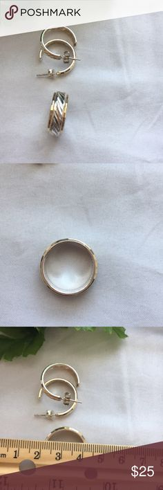 3pc Set Ring and Earrings, pierced. metal? NWOT. 3pc Set Ring and Earrings, pierced. Unsure of metal. I pulled the tag off..duh! I think they are silver based. I wear an 8-8.5 ring and it fits me. Just cleaned with baking soda/water. See Photos Jewelry Rings